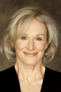 You wouldn't believe she was Cruella de Vil, would you? Movies To Watch Online, All Movies, Movies And Tv Shows, Glenn Close, Streaming Hd, Streaming Movies, Riverdale 2017, Happy Death Day, You're The Worst