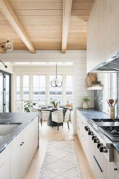Classic Home Decor, Cute Home Decor, Home Decor Kitchen, Unique Home Decor, Cheap Home Decor, Vintage Home Decor, Kitchen Design, Kitchen Ideas, Bungalow Kitchen