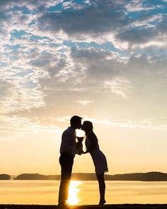 Couple's Romantic Kiss at Sunset | Photo: Vue Photography. View More: https://www.insideweddings.com/biz/vue-photography-atlanta/8827/