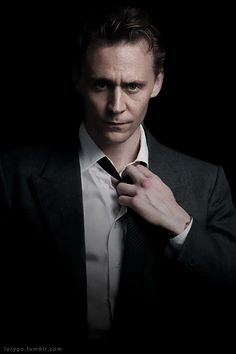 One Shots Tom Hiddleston - Special - Beautiful Nordic or British God? Or simply the most beautiful man in the world.