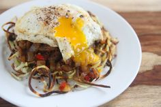 Steak n' Eggs over Waffled Hashbrowns by @denimeloneats denimelon.blogspot.com #paleo