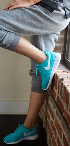 Nike store outlet offer various series of nike shoes, free run, roshe run, Roshe Run Shoes, Nike Roshe Run, Cute Shoes, Me Too Shoes, Nike Shoes Outfits, Nike Store, Only Fashion, Mens Fashion, Up Girl