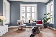 Treparkett Skovin Elegant 9 Living Room Decor Inspiration, Interior Design Inspiration, Humble Abode, Wall Colors, Family Room, Lounge, House Design, Elegant, Blue Interiors