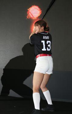稲村亜美の神スイング   Moment日刊ゲンダイ Beautiful Athletes, Baseball Players, Sport Girl, Nice Body, Sports Women, Asian Woman, Asian Beauty, Sporty, Poses