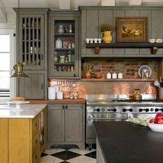 Kitchen Pantry, Kitchen Decor, Wallpaper Room Decor, Finish Kitchen Cabinets, Timeless Kitchen, Mediterranean Home Decor, Copper Kitchen, Hallway Decorating, Apartment Living