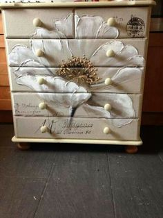 Dresser painted in Chalk Paint® by Annie Sloan. Decoupage an oil canvas to this dresser. Just wonderful! Decoupage Furniture, Hand Painted Furniture, Funky Furniture, Refurbished Furniture, Paint Furniture, Repurposed Furniture, Furniture Projects, Furniture Making, Furniture Makeover