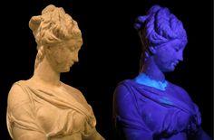 Le rayonnement UV permet de localiser l'hétérogénéité de la surface éclairée et dévoile les différentes interventions