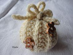 Pallina:Social crochet  LanaD'Abruzzo  Bottoncini:Emmetticeramiche
