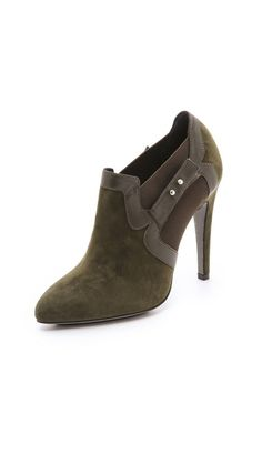 Aperlai Pointed Toe Suede Booties