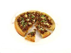 caramelized onion, spicy sausage, gorgonzola pizza