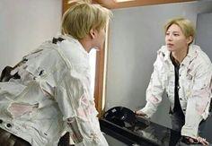 Mirror mirror wad you see in me . . Cr to owner  #shinee#JinKi#JongHyun#KiBum#MinHo#TaeMin#contemporary#band#Korean#ot5#forever#shawols#ace#base#odd#dubu#dino#almighty#flamingcharisma#maknae