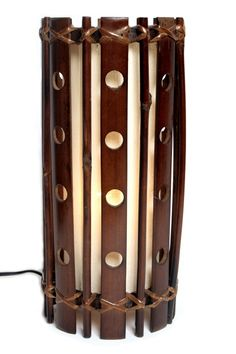 Lampe en bambou perforé - intérieur crème 100% coton, pour une ambiance naturelle et feutrée ;)