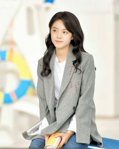 Kdrama, Moon Geun Young, Aesthetic Hair, Actors, Anime Art Girl, Airport Style, College Outfits, Me As A Girlfriend, Little Things