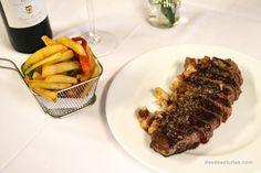 """""""En Asturias se come muy bien"""". #Asturias vive uno de sus mejores momentos en la hostelería, añadiendo una nueva dimensión a sus méritos culinarios de siempre. https://www.desdeasturias.com/asturias/que-ver-y-que-hacer/gastronomia/"""