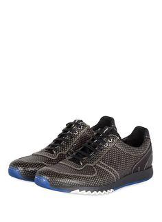 Die Herren-Sneaker von Floris van Bommel  punkten mit einem raffinierten Design. Highlight des Modells ist die Verarbeitung aus Leder in schimmernder Animal-Optik, die dem komfortablen Schuh eine trendige Optik verleiht. Die Außensohle, die zum Teil ein Zick-Zack-Profil zeigt, bringt einen Twist Coolness in das Modell. Sichern Sie sich ein Modell mit eingebauter TrendgarnatieDetails:Mix aus Animal-Leder  mit GlattlederSchnürungZiernähteGepolsterter SchaftrandHerausnehmbare…
