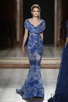 Tony Ward F/W 2015-2016, official pictures - Couture - http://www.flip-zone.com/fashion/couture-1/fashion-houses/tony-ward-5718