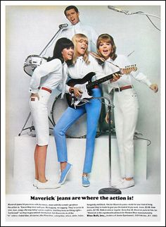 Maverick jeans are where the action is! 1966 - the year Mom Jeans were hip. 60s And 70s Fashion, School Fashion, Retro Fashion, Vintage Fashion, Ladies Fashion, Retro Outfits, Vintage Outfits, Seventeen Magazine, Vintage Jeans