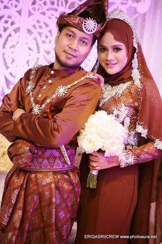 ¤ Malay Wedding Dress, Wedding Dresses, Crown, Fashion, Bride Dresses, Moda, Bridal Gowns, Corona, Fashion Styles