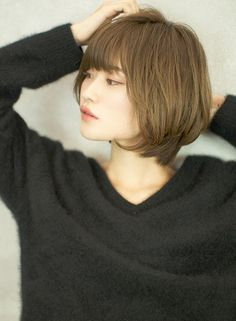 Pin on ボブ Short Hairstyles For Women, Cool Hairstyles, Hair Inspo, Hair Inspiration, Medium Hair Styles, Short Hair Styles, Dream Hair, Love Hair, About Hair