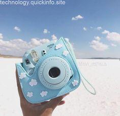 Camera Polaroid - Ideas That Produce Nice Photos Despite Your Talent! Polaroid Camera Instax, Polaroid Cases, Vintage Polaroid Camera, Cute Camera, Camera Art, Camera Hacks, Camera Lens, Leica Camera, Vintage Cameras