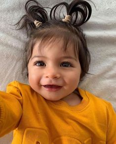 Brown-eyed babies deserve some love too 😍 . Cute Baby Girl Pictures, Cute Baby Names, Cute Little Baby, Pretty Baby, Little Babies, Cute Babies, Baby Photos, Baby Kids, Cute Baby Videos
