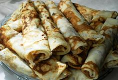 clatite filled with nutela! Romanian Recipes, Romanian Food, Mille Crepe, Crepes, Dutch, Gypsy, Pancakes, Bakery, Deserts