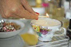 candle DIY in vintage teacups