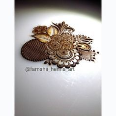 Loving that grid😍swipe to see it closely😙 New Mehndi Designs 2018, Modern Mehndi Designs, Wedding Mehndi Designs, Henna Designs Easy, Arabic Mehndi Designs, Mehndi Designs For Hands, Henna Tattoo Designs, Marwari Mehndi Design, Khafif Mehndi Design