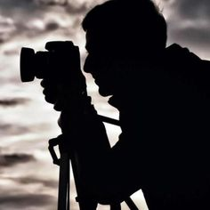 Cropped Sensor Camera Showdown: The Nikon vs. the Canon Mark II - The Camera Guide New Nikon, Nikon Dslr Camera, Camera Gear, Film Camera, D750 Nikon, Full Frame Camera, Point And Shoot Camera, Best Professional Camera, Nikon 3400