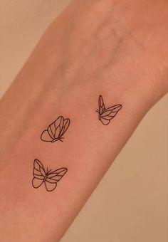 Tiny Tattoos For Girls, Little Tattoos, Mini Tattoos, Tattoos For Women, Detailliertes Tattoo, Smal Tattoo, Piercing Tattoo, Piercings, Small Forearm Tattoos