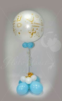 Comunion Chris Cornell Albums, Baby Shower, First Communion, Balloon Decorations, Light Bulb, Party Themes, Balloons, Leo, Toilet Paper