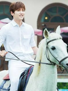ji Chang Wook I Suspicious Partner 2017 Ji Chang Wook Smile, Ji Chan Wook, Korean Celebrities, Korean Actors, Dramas, Ji Chang Wook Photoshoot, Empress Ki, Suspicious Partner, Park Shin Hye
