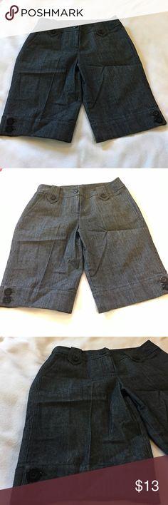 Blackish Bermudas shorts Dressy style Bermudas shorts. Like new. 😍👍 Sandro Shorts Bermudas