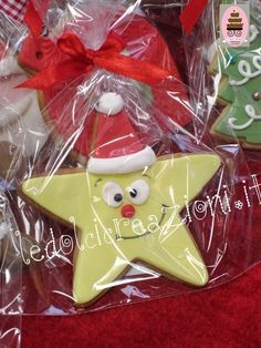 Biscotti decorati di natale. Galleria di biscotti decorati natalizi, Christmas Biscuits, Christmas Sugar Cookies, Christmas Snacks, Christmas Cupcakes, Christmas Cooking, Holiday Cookies, Christmas Cake Designs, Fondant Cookies, Cookie Decorating