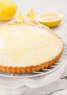 Lemon tart - 2 egg yolks, lemons, shortcrust pastry