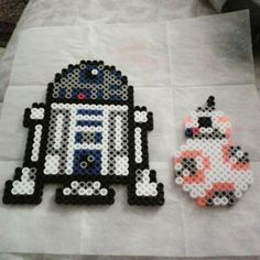 R2D2 and BB-8 - Star Wars VII perler beads by agbrown90