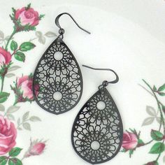 Online Shopping For LAVISHY Unique And Beautiful Filigree Earrings – LAVISHY Boutique Filigree Earrings, Gold Plated Earrings, Pendant Earrings, Fashion Accessories, Fashion Jewelry, How To Make Light, Gifts For Family, Custom Jewelry, Free Gifts