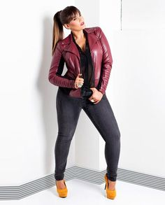 "#thick  #sexy  #curvy     ""if you follow my curvy girl's fall/winter closet, make sure to follow my curvy girl's spring/summer closet.""   http://pinterest.com/blessedmommyd/curvy-girls-springsummer-closet/pins/"