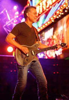 47c06e243bf Eddie Van Halen Talks  Tokyo Dome