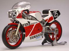 Racing Scale Models: Yamaha FZR 750 8 Hours Suzuka 1985 by Utage Factory House (Fujimi)