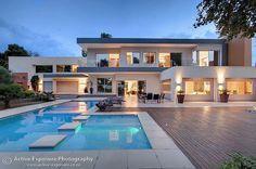 Casa dos sonhos. Arquitetura genial, tudo lindo.