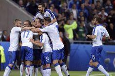 La samba di Conte con Giaccherinho e Pel(l)è  | Sport| www.avvenire.it