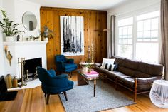 Drop the Paint Brush: Wood Paneling is Officially Cool Again — Rooms That Get It Right Apartment Therapy My Living Room, Living Room Decor, Living Spaces, Small Living, Knotty Pine Walls, Knotty Pine Living Room, Knotty Pine Decor, Knotty Pine Paneling, Wood Panel Walls