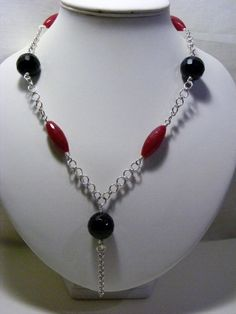 Red Quartzite and Black Agate Necklace £25.00
