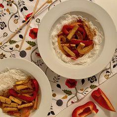 Sauté de tofu aux poivrons sweet n' spicy Valeur Nutritive, Tofu, Hummus, Cooking Recipes, Posts, Ethnic Recipes, Blog, Chicken Stir Fry