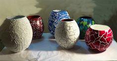 Como fazer vasos de artesanato com jornal. Aprenda como fazer lindos vasos decorativos de jornal reciclados para decorar a casa, presentear e ganhar dinheiro com este artesanato.