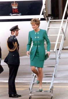 Diana, every designer's dream Diana Son, Lady Diana Spencer, The Last Princess, Princess Of Wales, Royal Fashion, Star Fashion, Fashion Outfits, Princess Diana Fashion, Princes Diana