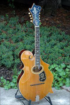 1905 K-4 3-point Mandocello/Octave Mandolin