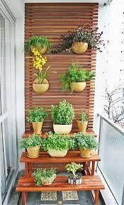Resultado de imagem para jardim de varanda de apartamento