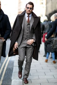 Mens Fashion Week Fall 2015 Street Style women beauty and make up London Mens Fashion, Mens Fashion Week, Mens Fashion Suits, Mens Suits, Men's Fashion, Street Fashion, Fashion Trends, Fashion Guide, Fashion Menswear